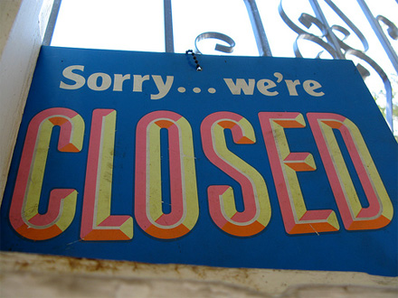 Closed sign by tonx via Flickr