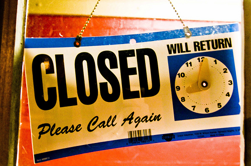 Closed sign by Ken Hawkins via Flickr