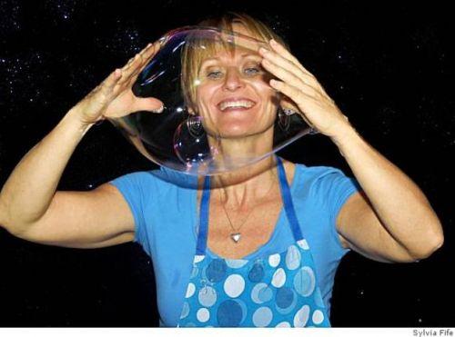 The Bubble Lady - photo by Sylvia Fife