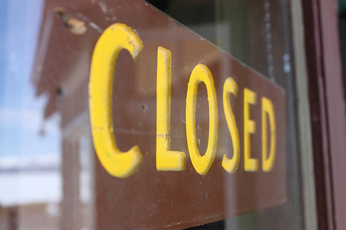 Closed Sign photo by Bryan Mills via Flickr