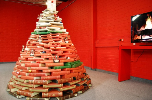 Book tree by Bibliotheek Kortrijk