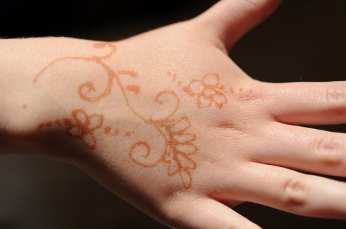 Henna Workshop for teens, July 6, 2016 | Photo by Steven Lilley