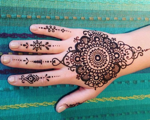 Henna photo by Catana on Flickr